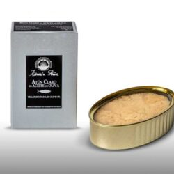 Image of the front of the package and an open tin of Ramón Peña Yellowfin Tuna in Olive Oil