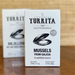Image of the front of the packaging for Yurrita Mussels in Pickled Sauce (Mejillones en Escabeche) 8/12