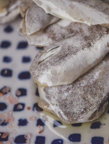 Image of plated Artesanos Alalunga Cocochas de Merluza Europea (European Hake Cheeks) in Olive Oil 6/8