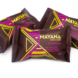 Image of the fronts of the packaging for a few Mini Fix Bar, by Mayana Chocolate