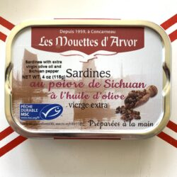 Image of the front of a tin of Les Mouettes d'Arvor Sardines in Extra Virgin Olive Oil with Sichuan Pepper