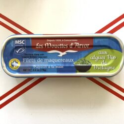 Image of the front of a package of Les Mouettes d'Arvor Mackerel Fillets with Organic Brittany Seaweed