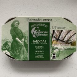 Image of the front of a tin of Conservas de Cambados Sardines in Olive Oil 3/5