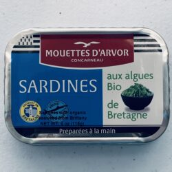 Image of the front of a tin of Les Mouettes d'Arvor Sardines in Organic Extra Virgin Olive Oil with Brittany Seaweed