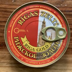Image of the top of a tin of Riga Gold Fried Sprats in Tomato Sauce, 240g